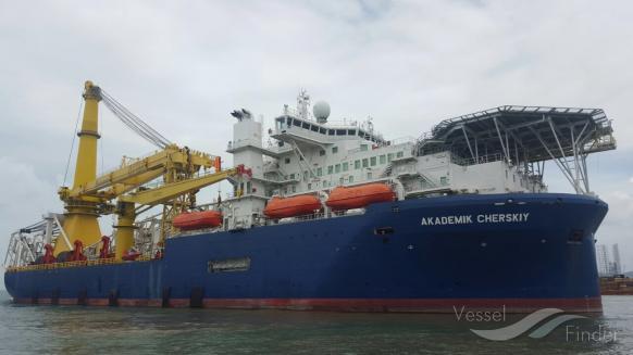 Statek Akademik Czerski płynie w stronę Danii, by budować Nord Stream 2 - GospodarkaMorska.pl