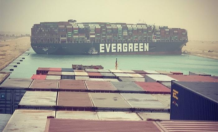 Europejskie porty przygotowują się na burzę po blokadzie Kanału Sueskiego - GospodarkaMorska.pl