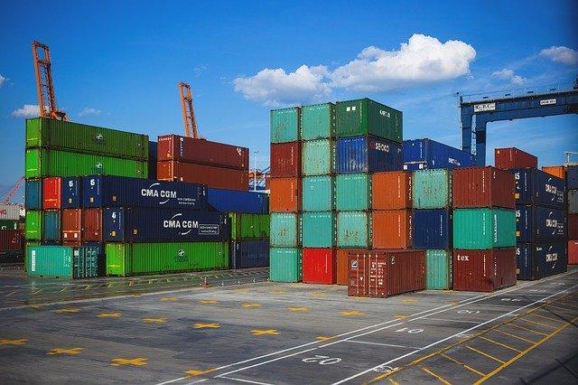 Holandia: Kontenerowiec stracił część ładunku na Morzu Północnym - GospodarkaMorska.pl
