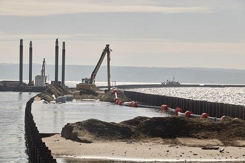 Urząd Morski szuka wykonawcy pogłębiarki utrzymującej tor wodny na kanale żeglugowym przez Mierzeję - GospodarkaMorska.pl