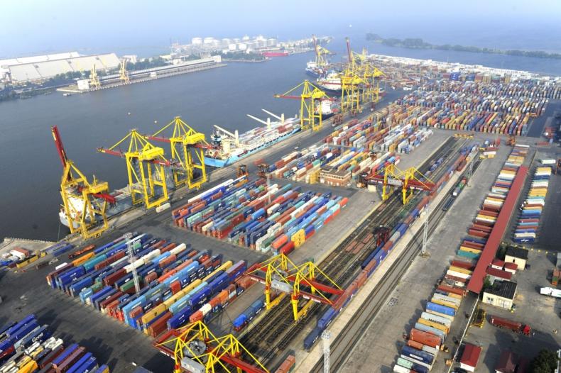 Sankt Petersburg - raport z bałtyckiego rynku portowego - GospodarkaMorska.pl