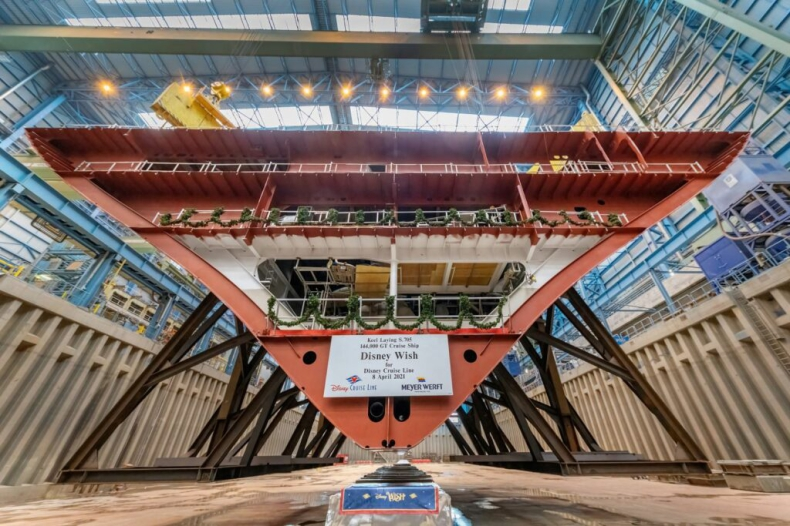 Meyer Werft: Położono stępkę pod napędzany LNG wycieczkowiec dla Disneya - GospodarkaMorska.pl