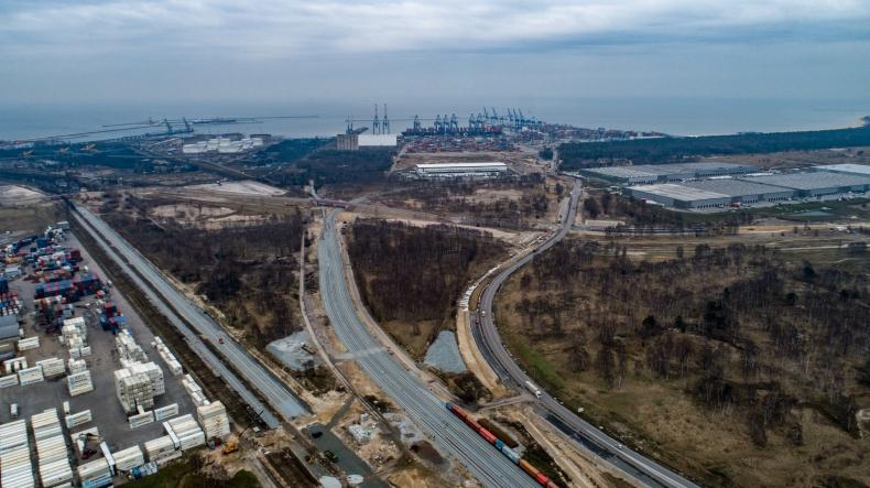 Ponad 100-metrowy wiadukt do Portu Gdańsk ma już gotową konstrukcję - GospodarkaMorska.pl
