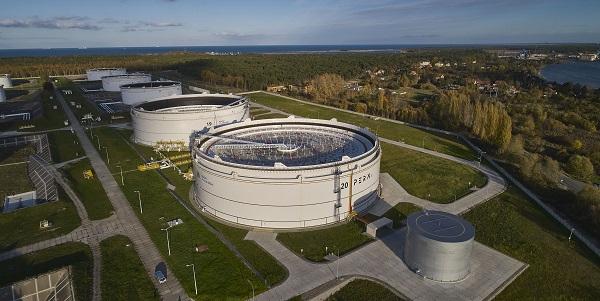 PERN ogłosił przetarg na zwiększenie pojemności magazynowej bazy paliw w Dębogórzu na zapleczu Portu Gdynia - GospodarkaMorska.pl