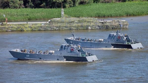 Grupa jednostek Flotylli Kaspijskiej przepłynęła na Morze Czarne - GospodarkaMorska.pl
