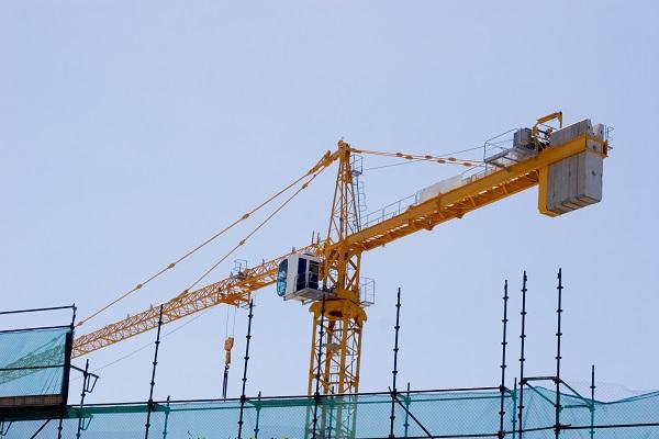 Trik ubezpieczeniowy, który pomoże Ci, gdy wykonawca zejdzie z placu budowy - GospodarkaMorska.pl