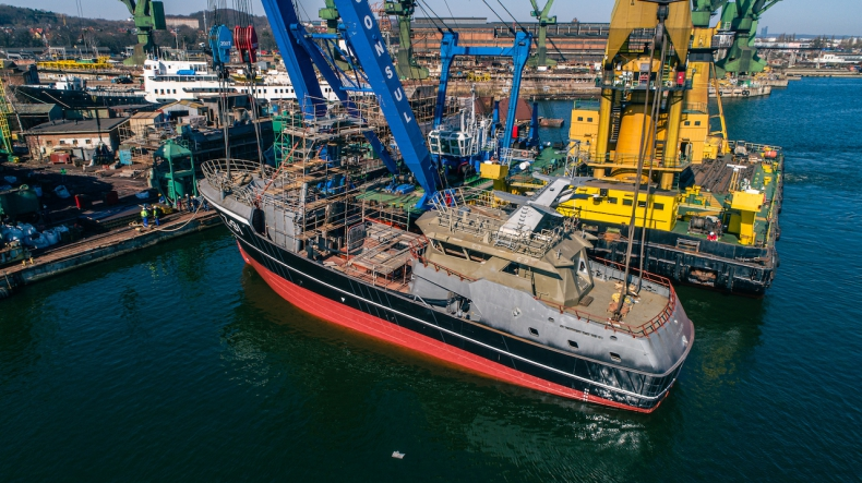 W stoczni Safe w Gdańsku zwodowano statek rybacki dla holenderskiego Damena - GospodarkaMorska.pl