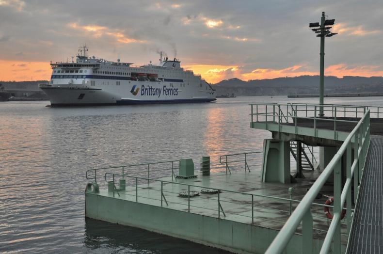 Britanny Ferries przeprowadził testy pod bunkrowanie LNG w Porcie Bilbao - GospodarkaMorska.pl