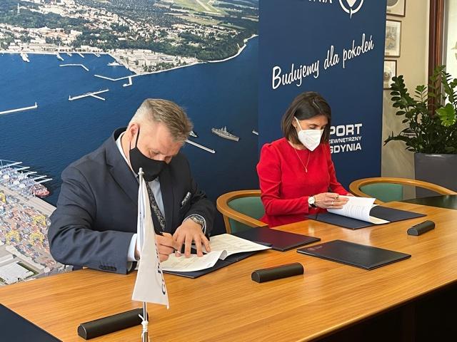 Port Gdynia i  Ørsted – współpraca w przeddzień budowy polskich morskich farm wiatrowych - GospodarkaMorska.pl
