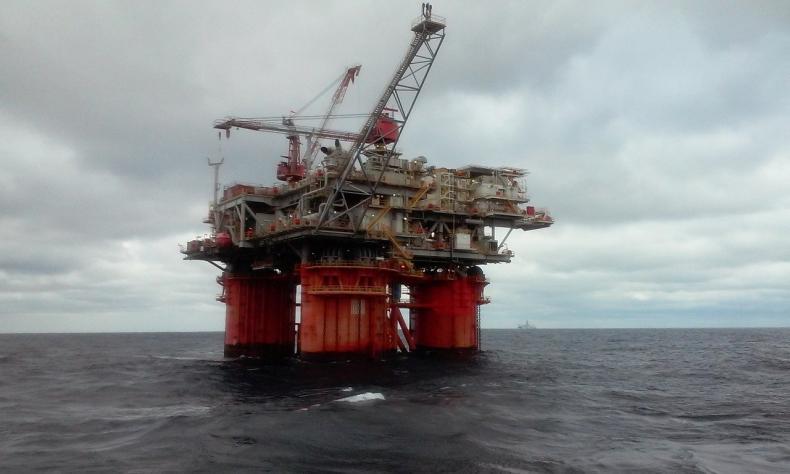 Trzecia sesja ze spadkami cen ropy w USA - to najsłabszy okres od 18 III - GospodarkaMorska.pl