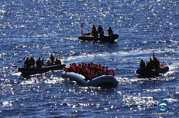 Ponad 100 migrantów prawdopodobnie zginęło w wyniku zatonięcia łodzi na Morzu Śródziemnym - GospodarkaMorska.pl