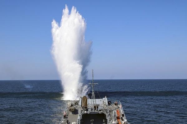 Szkolenie na morzu sił 8. Flotylli Obrony Wybrzeża - GospodarkaMorska.pl