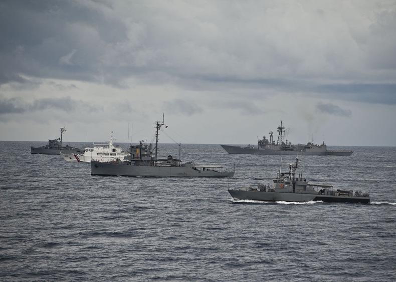 Filipiny prowadzą manewry na Morzu Południowochińskim - GospodarkaMorska.pl