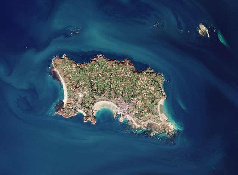 Francja grozi wyspie Jersey odwetem za blokowanie dostępu francuskim rybakom do łowisk - GospodarkaMorska.pl