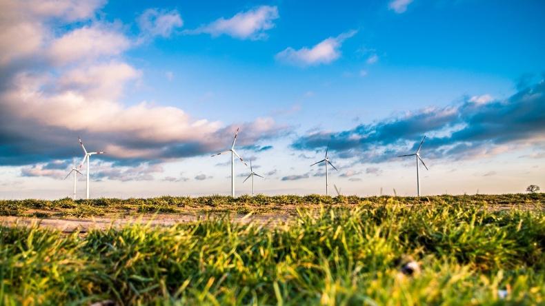 Energetyka wiatrowa. W ciągu najbliższych lat przybędzie 3,3 mln miejsc pracy - GospodarkaMorska.pl
