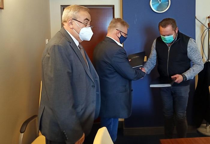 Umowa podpisana. Nowoczesna i ekologiczna kotłownia na Terminalu Promowym Świnoujście jeszcze w tym roku - GospodarkaMorska.pl