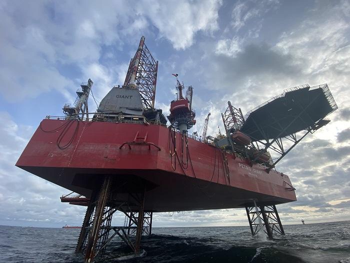 PetroStal zakończył prace izolacyjne na platformie wiertniczej PetroGiant - GospodarkaMorska.pl