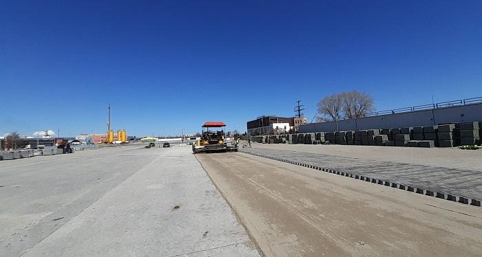 Półmetek prac budowy nowego parkingu dla ciężarówek przy terminalu promowym w Świnoujściu - GospodarkaMorska.pl