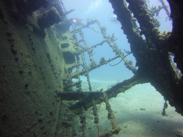 Szwecja: Odnalezione w Vaxholm wraki to okręty wykorzystane do najazdu na Polskę w XVII wieku - GospodarkaMorska.pl