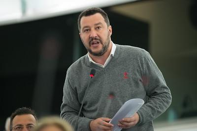 Włochy: Salvini nie będzie miał procesu w sprawie przetrzymywania migrantów na statku - GospodarkaMorska.pl