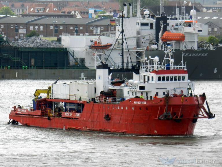 Niemcy: około 300 imigrantów uratowanych przez statek na Morzu Śródziemnym - GospodarkaMorska.pl