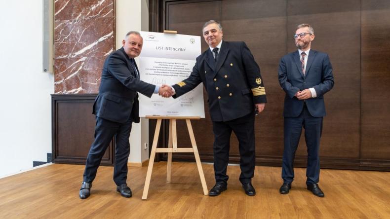 """Rektor Uniwersytetu Morskiego: """"Gdynia może stać się doliną offshore"""" [WIDEO] - GospodarkaMorska.pl"""