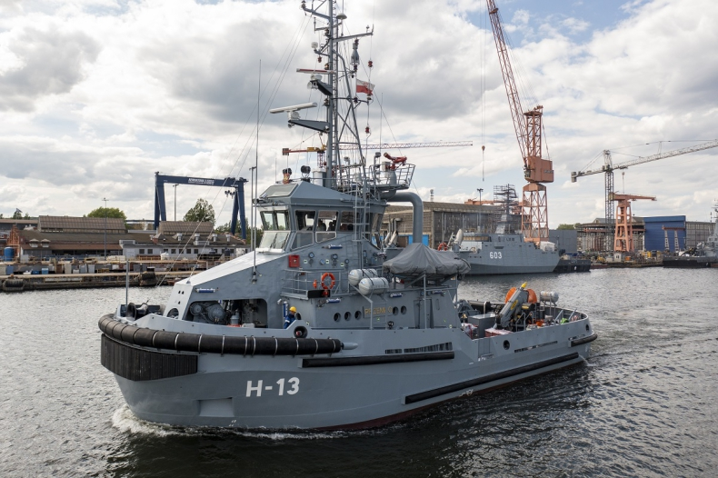 Ostatni z serii holowników dla MW opuścił stocznię Remontową Shipbuilding - GospodarkaMorska.pl