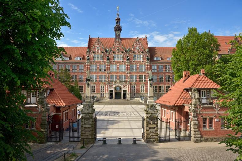 Politechnika Gdańska otwiera się na offshore i wodór. Powstaną dwa centra badawcze - GospodarkaMorska.pl