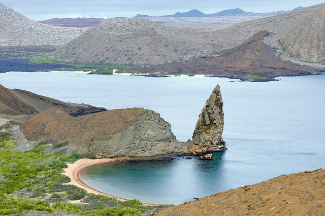Plastik zanieczyszcza Galapagos - GospodarkaMorska.pl