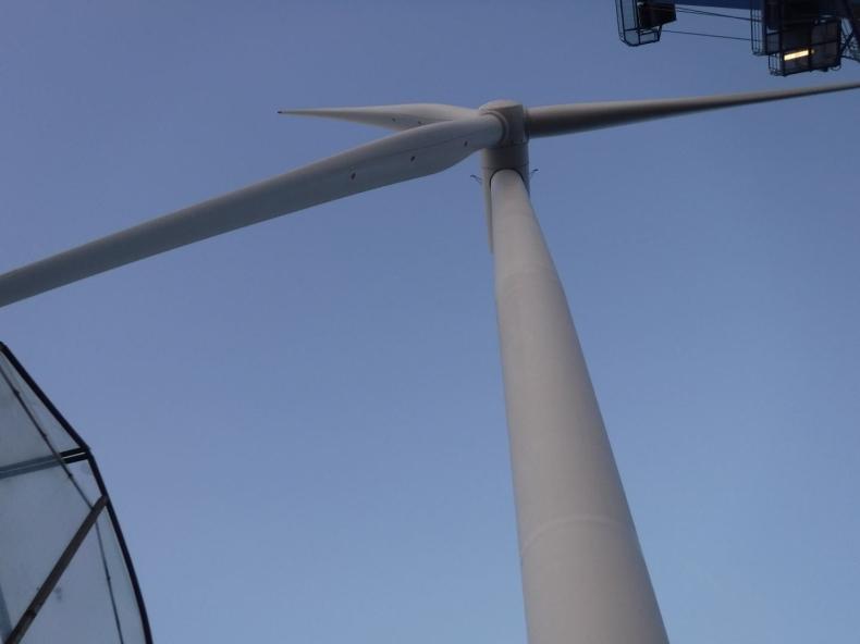 Zainstalowano pierwszą turbinę na morskiej farmie wiatrowej Hornsea Two - GospodarkaMorska.pl
