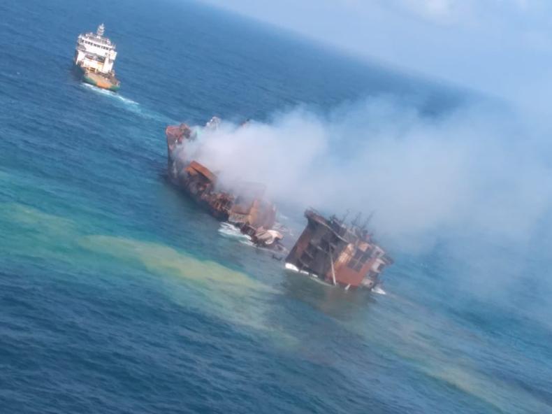 Sri Lanka: Kontenerowiec z chemikaliami zaczął tonąć; ratownicy odholowują go w głąb morza - GospodarkaMorska.pl