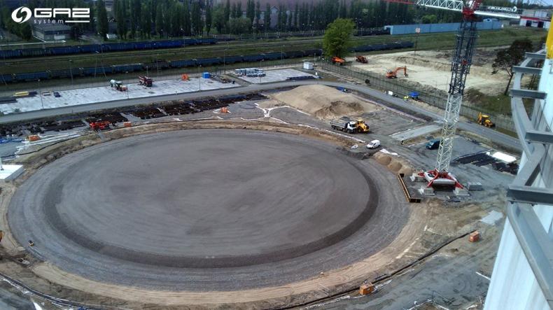 Postęp prac przy największym zbiorniku LNG w Świnoujściu - GospodarkaMorska.pl