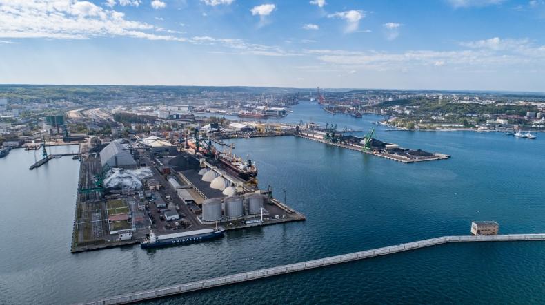 "Port Gdynia dronami stoi. ""Kierunek na eko i smart port"" - GospodarkaMorska.pl"