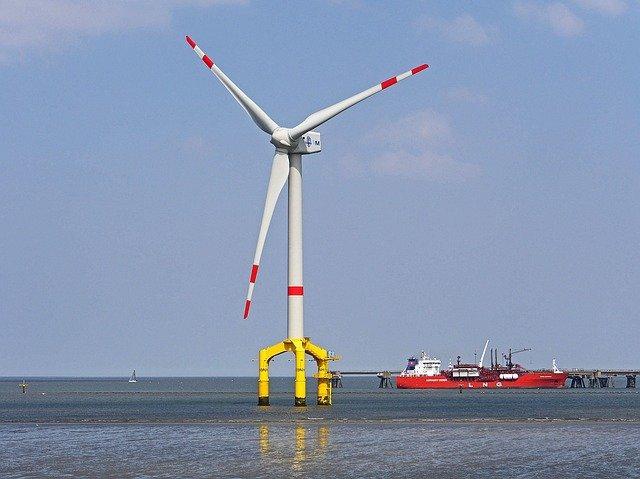 Ørsted przyspiesza z inwestycjami w odnawialne źródła energii - GospodarkaMorska.pl