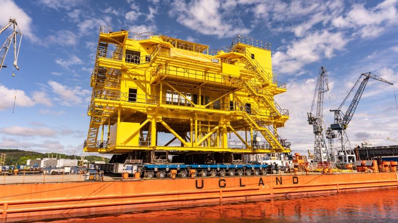 EPG łączy siły z Bladt Industries. Zobacz załadunek 700-tonowej trafostacji Kaskasi [WIDEO]]  - GospodarkaMorska.pl