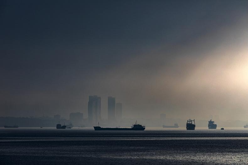 Turcja zaczęła akcję usuwania śluzu na Morzu Marmara - GospodarkaMorska.pl
