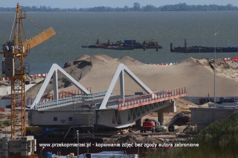 Jeszcze w czerwcu turyści na Mierzei przejadą po nowym moście nad kanałem żeglugowym - GospodarkaMorska.pl