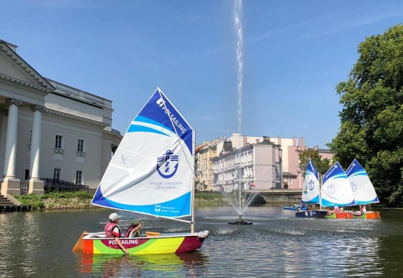 Rozpocznij swoją przygodę z żeglarstwem. Zapisz się do programu PolSailing! - GospodarkaMorska.pl