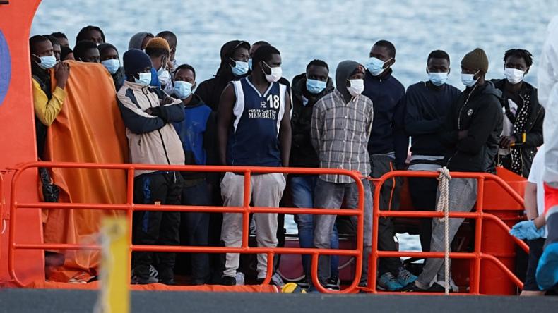 Hiszpania: Rozbito grupę przemycającą nielegalnych imigrantów z Maroka - GospodarkaMorska.pl