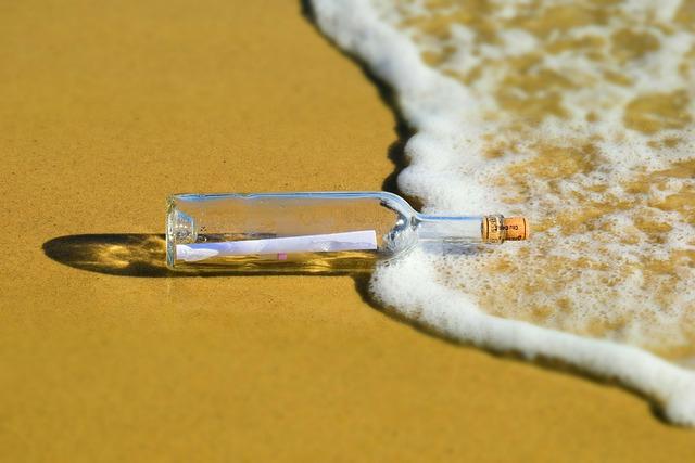 Portugalia: Nastolatek znalazł butelkę z listem wrzuconą do Atlantyku w USA w 2018 r. - GospodarkaMorska.pl