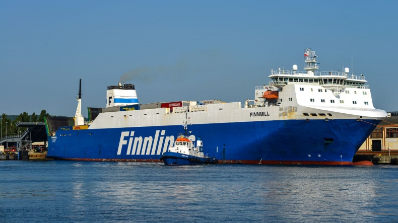 Większy statek armatora Finnlines na terminalu ro-ro - GospodarkaMorska.pl