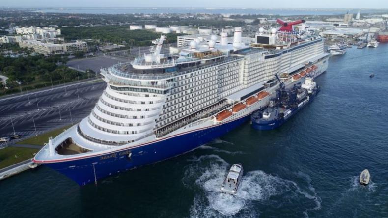 42 statki wycieczkowe Carnivala wznowią rejsy - GospodarkaMorska.pl