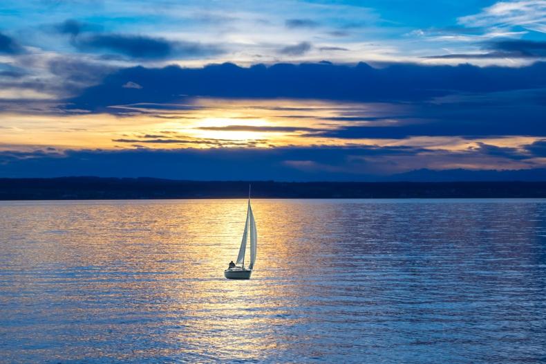 Mazury. Wciąż mało żeglarzy dba o czystość jezior choć w portach są stacje odbioru nieczystości - GospodarkaMorska.pl