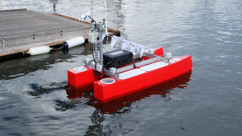 """Port Gdynia z ideą """"green port"""" i """"smart port"""". Pływające drony pomogą chronić środowisko - GospodarkaMorska.pl"""