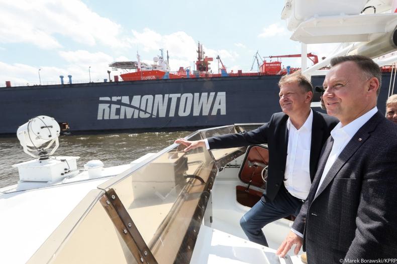 Prezydent: w Stoczni Remontowej Shipbuilding trwa realizacja programu Kormoran, budowa trzech niszczycieli - GospodarkaMorska.pl