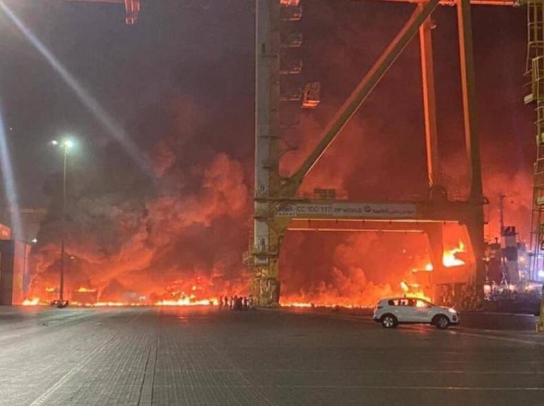 ZEA: Wybuch w porcie w Dubaju [WIDEO] - GospodarkaMorska.pl