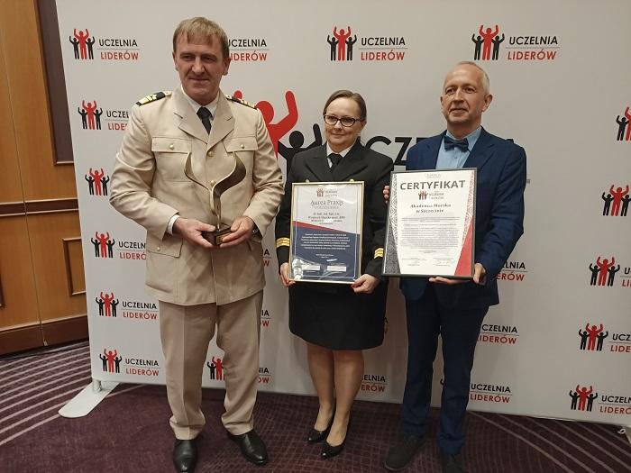 Akademia Morska Uczelnią Liderów 2021 - GospodarkaMorska.pl