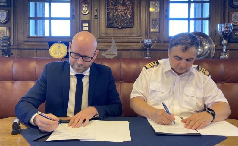 Badania środowiskowe dla sektora offshore. Nowy rozdział współpracy pomiędzy UMG, a firmą MEWO SA - GospodarkaMorska.pl