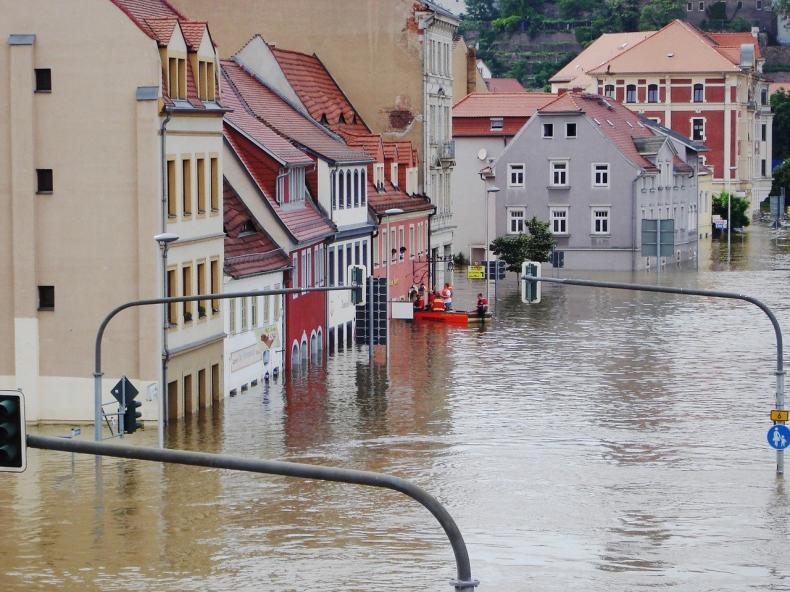 Powódź w Niemczech. Czy ropa i olej napędowy mogły zanieczyścić zbiorniki wodne? - GospodarkaMorska.pl