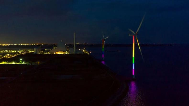Turbiny wiatrowe w Danii będą się świecić w kolorach tęczy - GospodarkaMorska.pl
